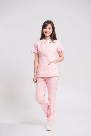 【7天~10天出貨】N20 粉菊衣褲 (領配白) 後拉款 – 短袖